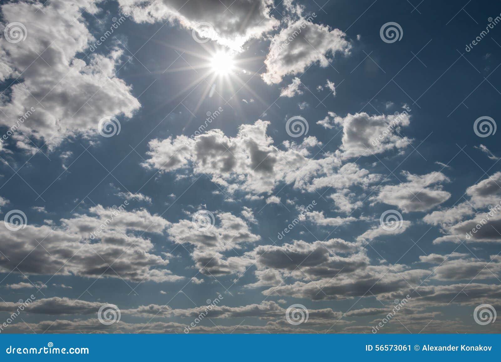 Download ουρανός σύννεφων στοκ εικόνα. εικόνα από βακκινίων, σωρείτης - 56573061