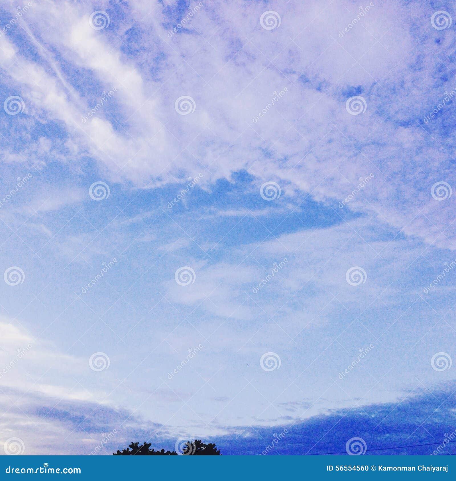 Download ουρανός στοκ εικόνες. εικόνα από σύννεφο, ουρανός, βακκινίων - 56554560