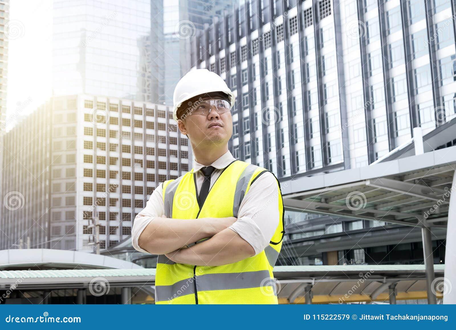Ο διευθυντής κατασκευής ενός μεγάλης κλίμακας προγράμματος