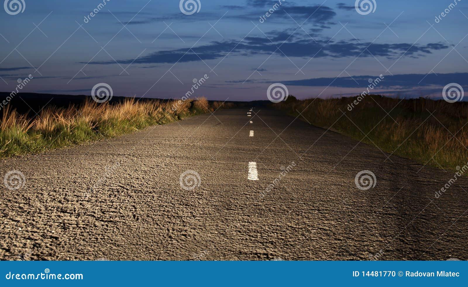 Ο δρόμος τη νύχτα
