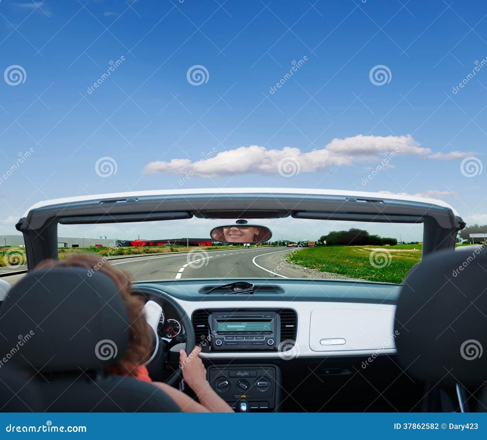Οδηγώντας αυτοκίνητο γυναικών