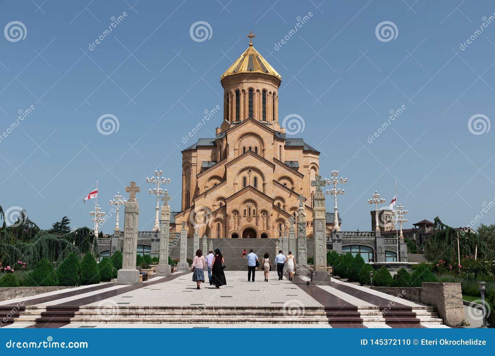 Ο ιερός καθεδρικός ναός τριάδας του Tbilisi γνωστού συνήθως ως Sameba στη Γεωργία
