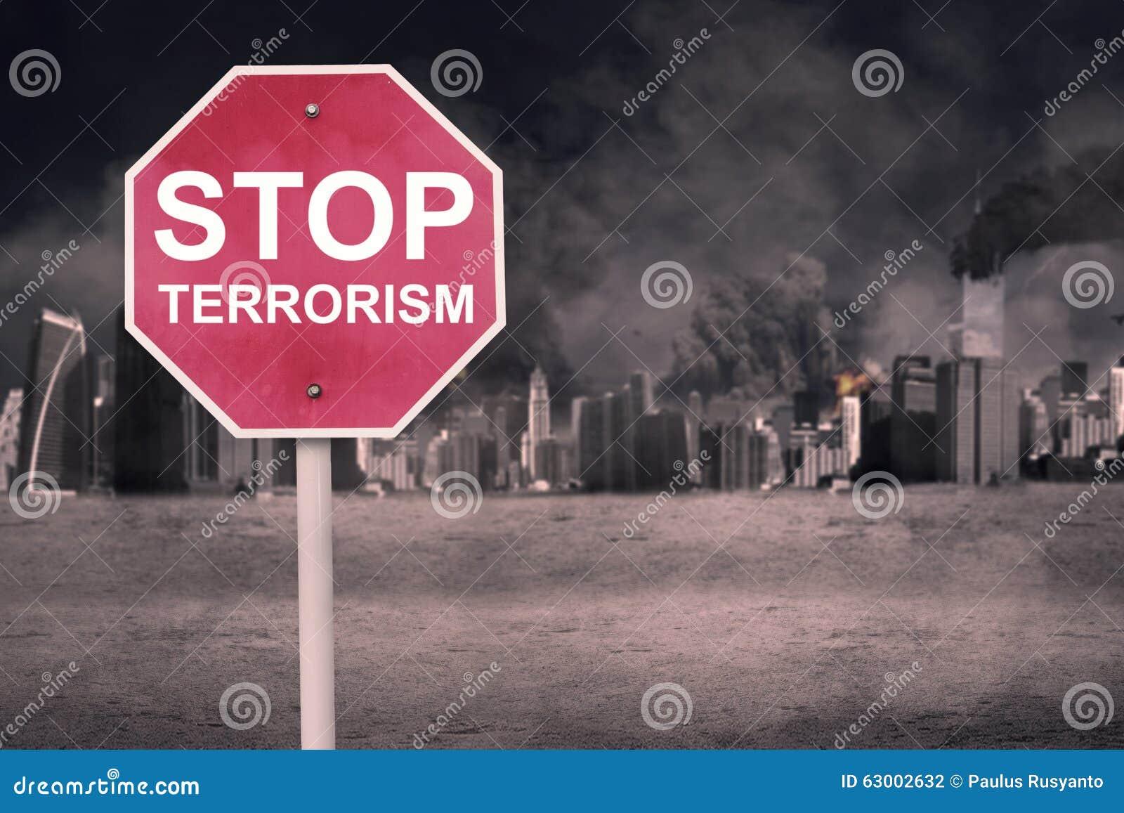 Οδικό σημάδι με το κείμενο της τρομοκρατίας στάσεων