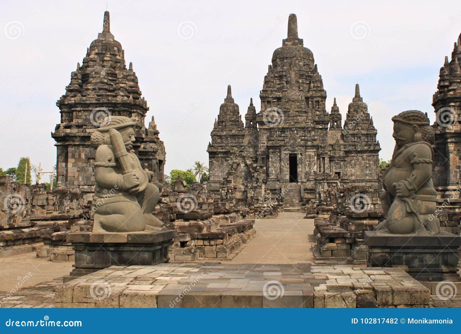 Ο ναός Sewu είναι ο δεύτερος - μεγαλύτερος βουδιστικός ναός σύνθετος στην Ιάβα