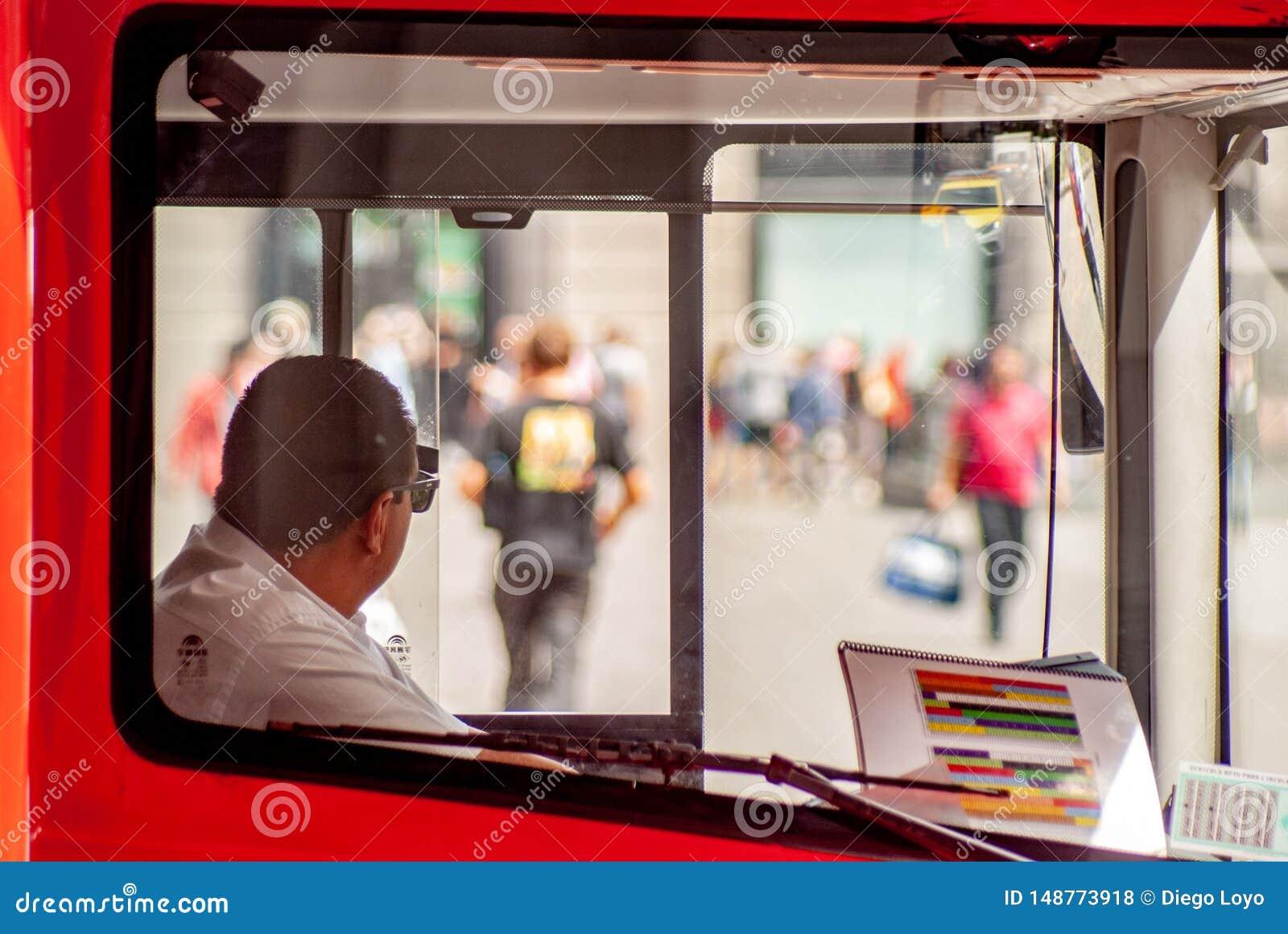 Ο οδηγός λεωφορείου