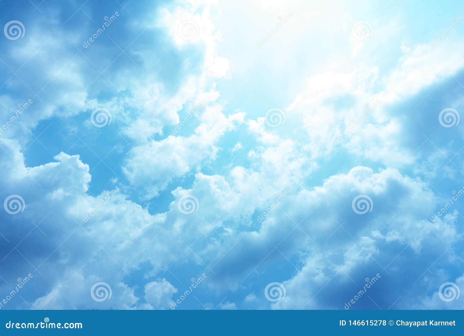 Ο ουρανός μια σαφή ημέρα