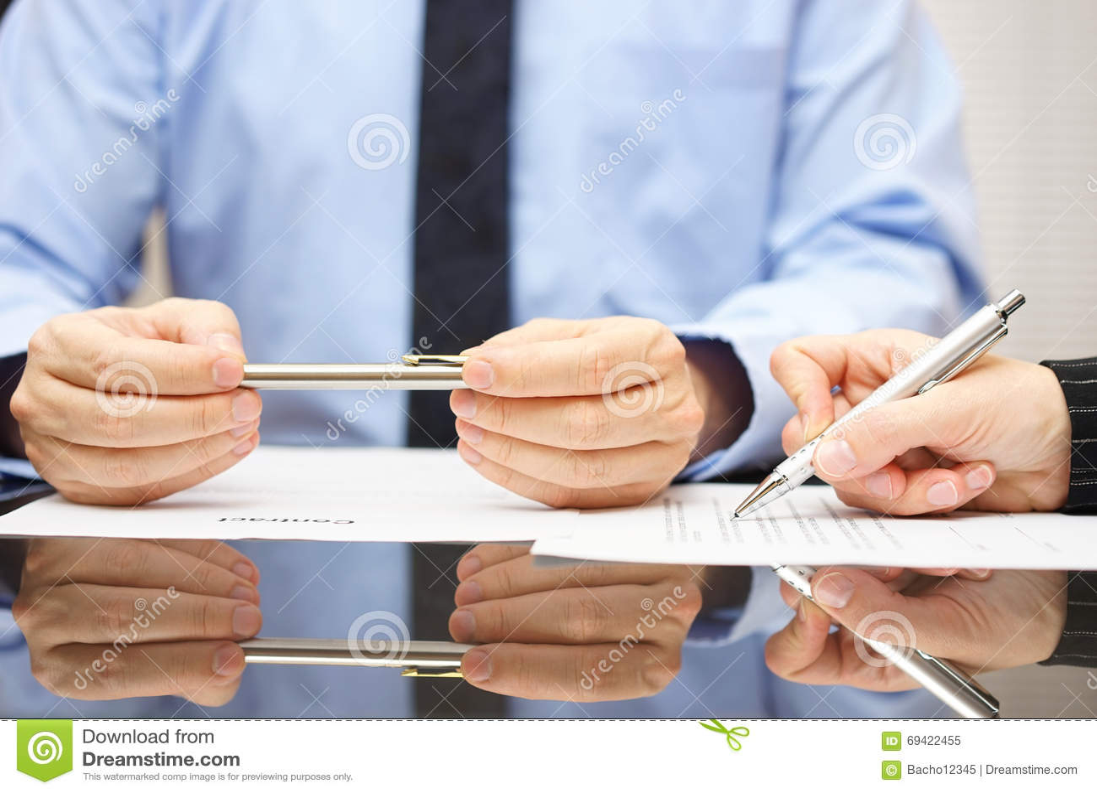 Ο πληρεξούσιος είναι σύμβαση σχολιασμού έτσι ο πελάτης μπορεί να καταλάβει το consequ
