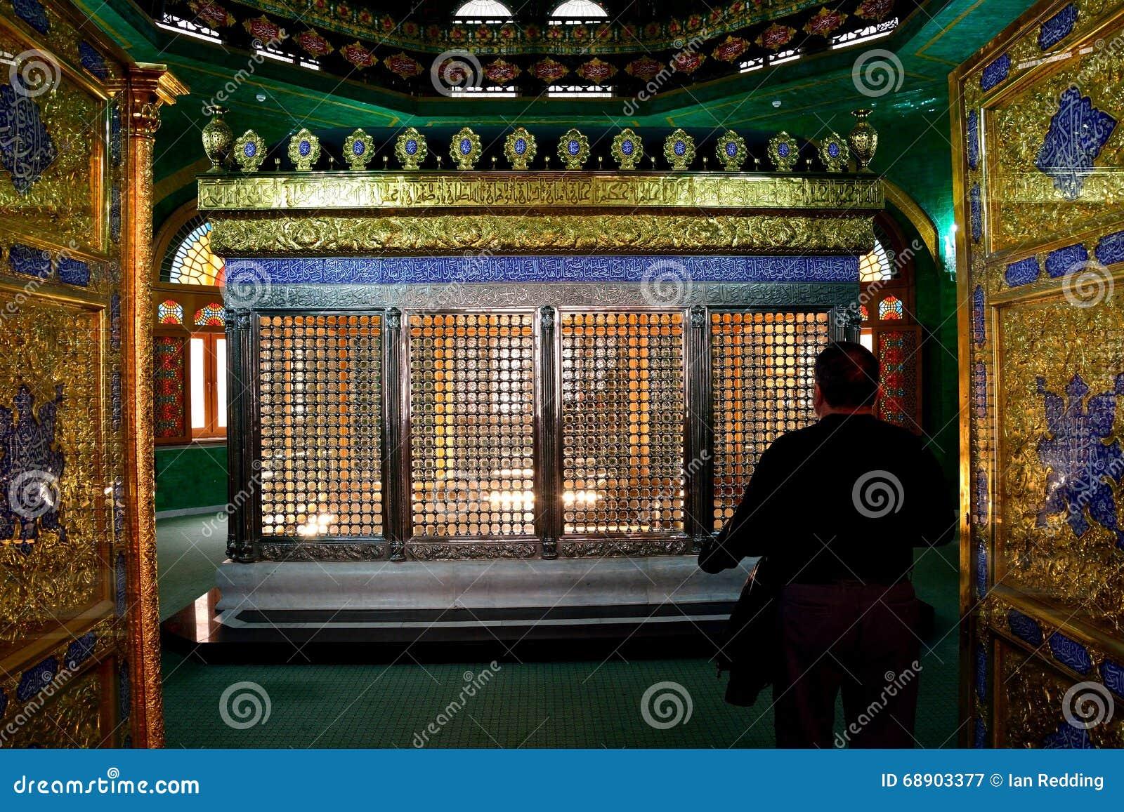 Ο τάφος Ukeyma Khanum στο μουσουλμανικό τέμενος Bibi-bibi-heybat