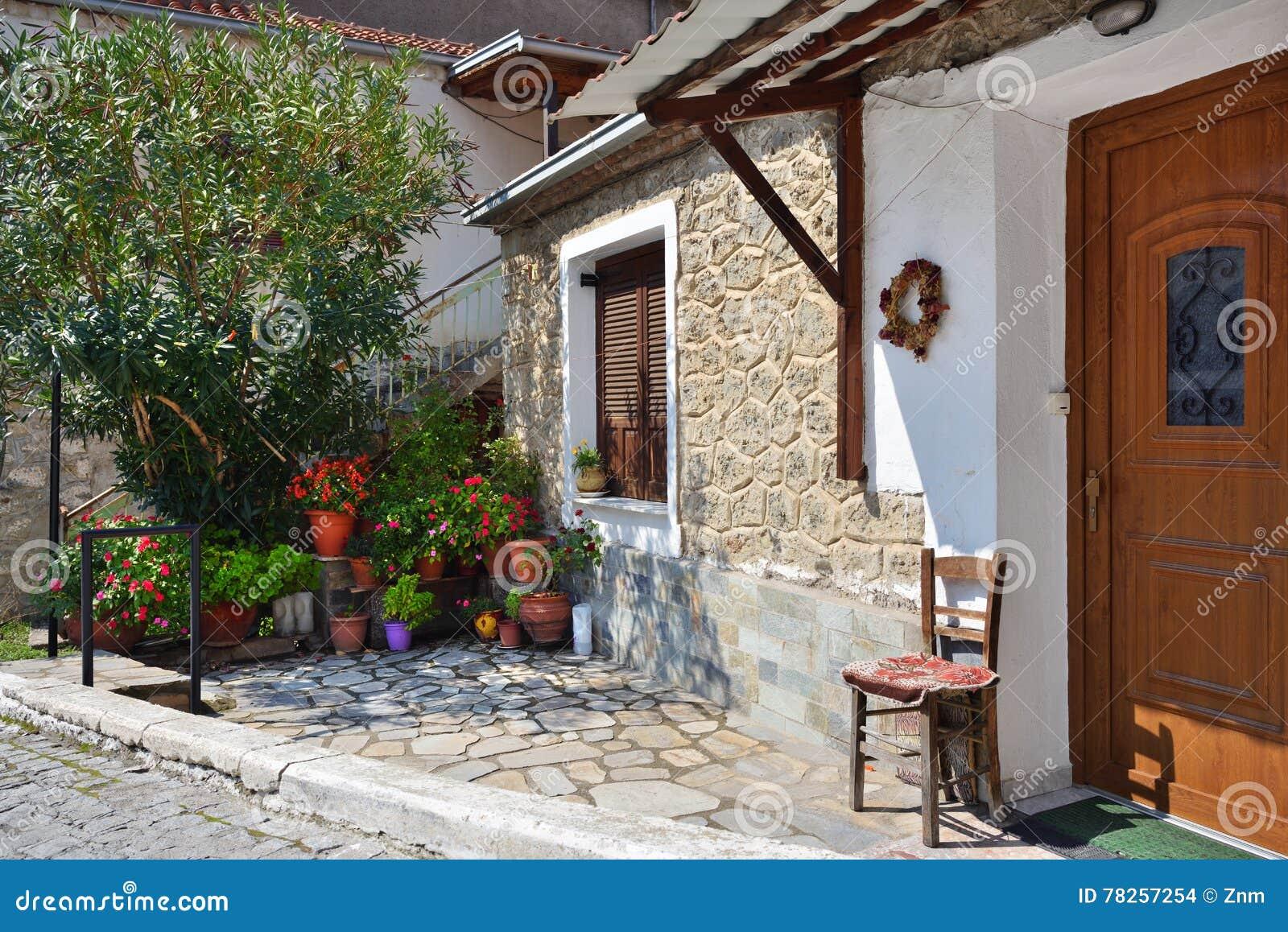 Οδός στο ελληνικό χωριό Kastraki, Meteora, Ελλάδα
