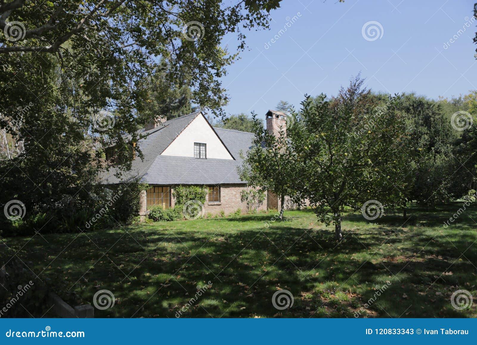 Πάλο Άλτο, Καλιφόρνια, το Σεπτέμβριο του 2016 σπίτι του Στηβ Τζομπς με τα δέντρα μηλιάς