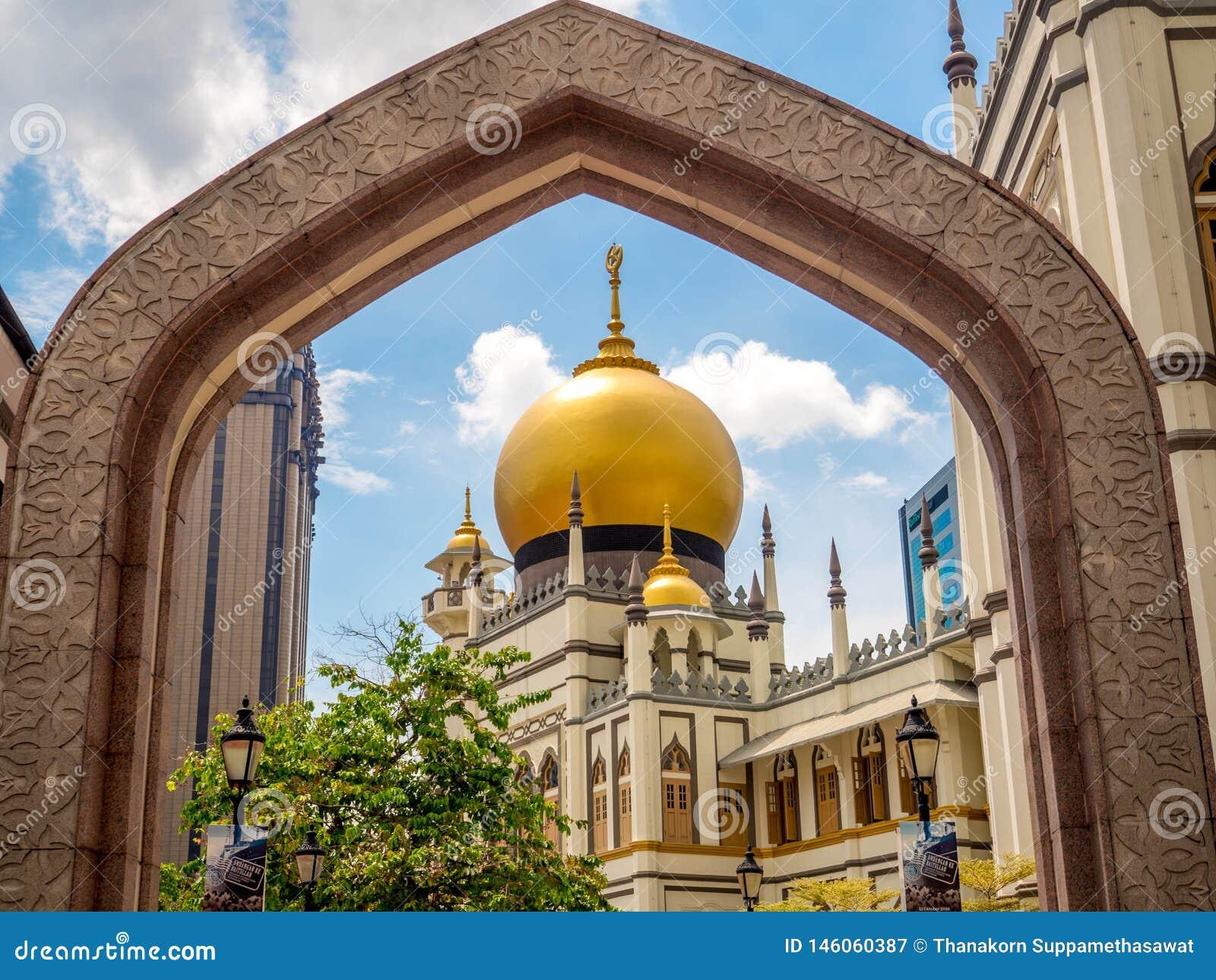 Πάροδος Haji, Σιγκαπούρη στις 26 Νοεμβρίου 2018  Κύρια άποψη του σουλτάνου Masjid Muscat στην οδό στο Kampong Glam Μουσουλμανικό