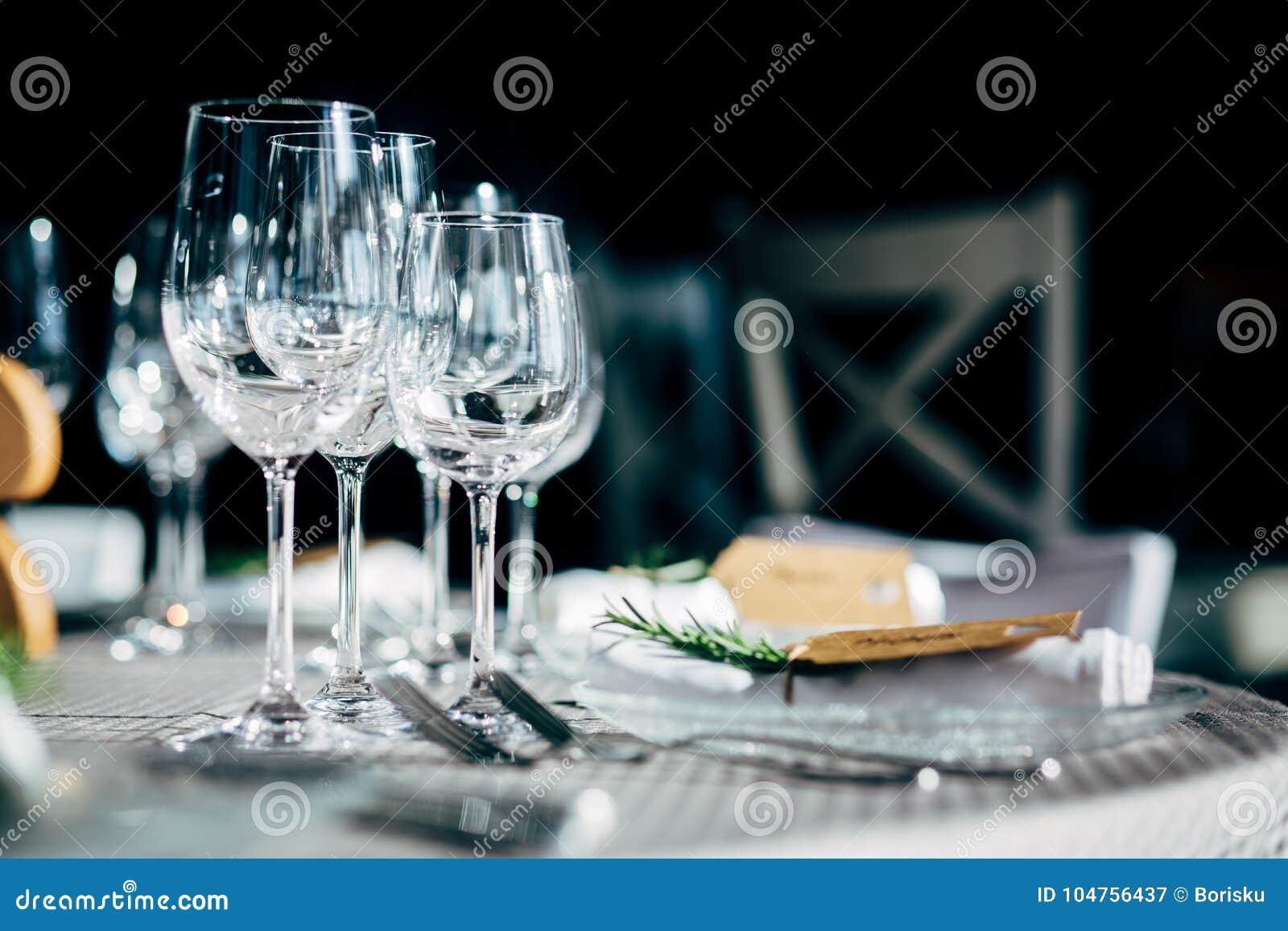Πίνακας πολυτέλειας που θέτει για το κόμμα, τα Χριστούγεννα, τις διακοπές και τους γάμους