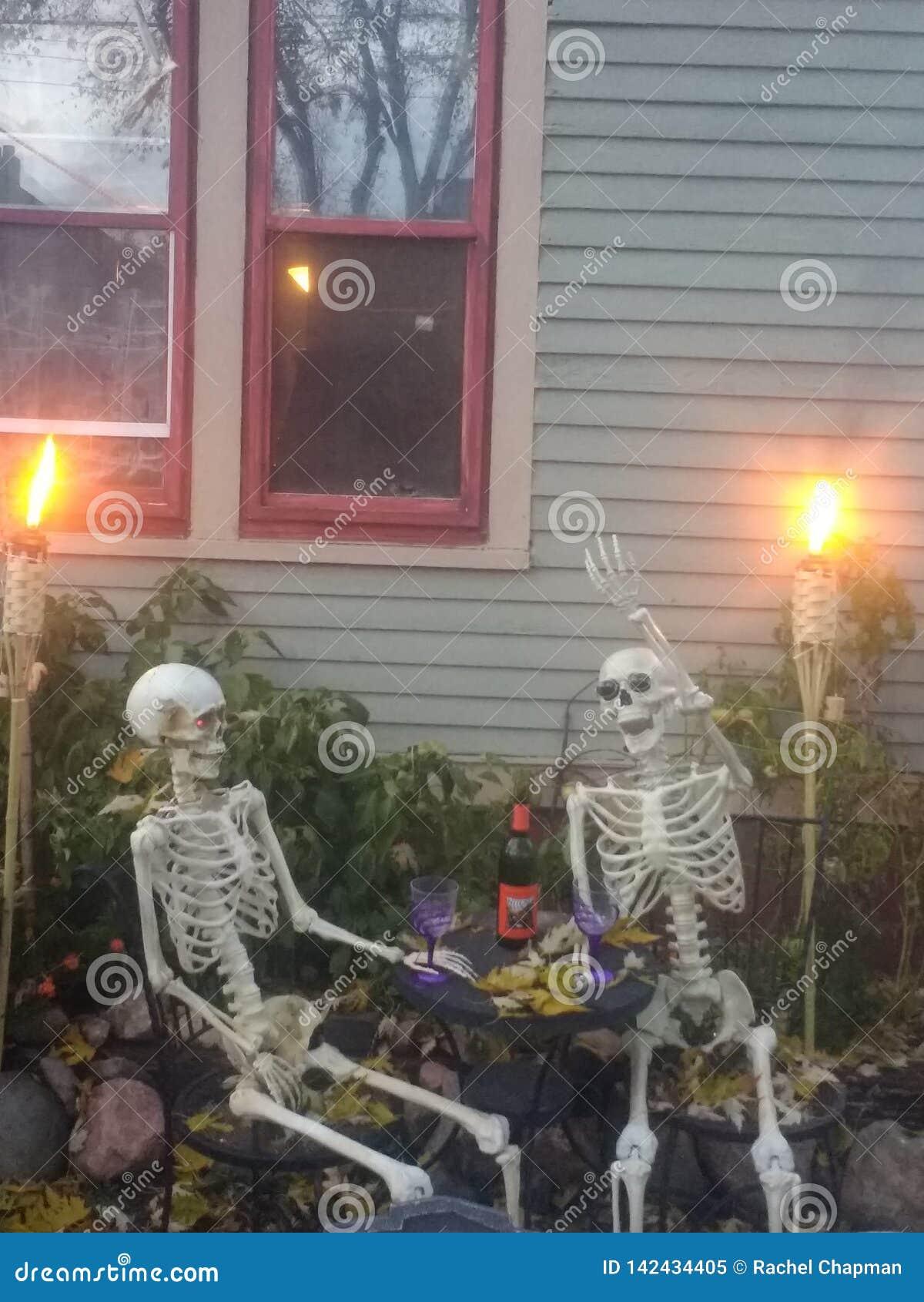 πίνοντας σκελετός