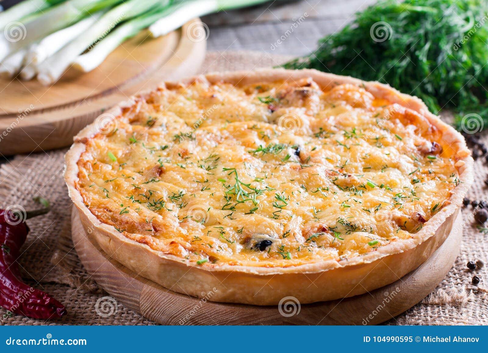 Πίτα Λωρραίνη - πίτα με το τυρί, το ζαμπόν και το πράσο