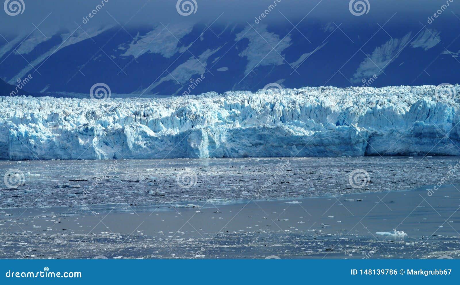 Παγετώνας Hubbard στην εσωτερική μετάβαση της Αλάσκας