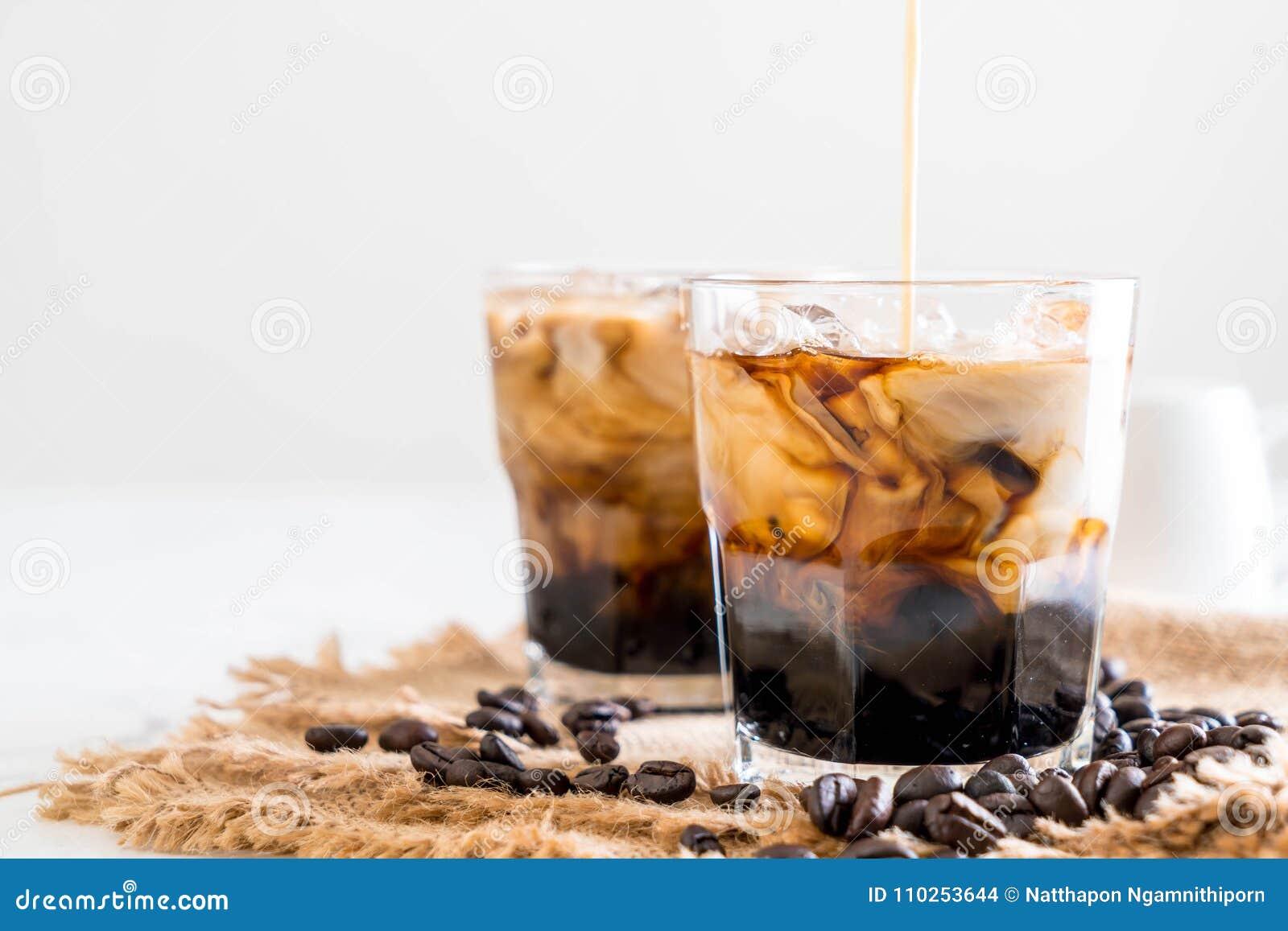Παγωμένος καφές με το γάλα