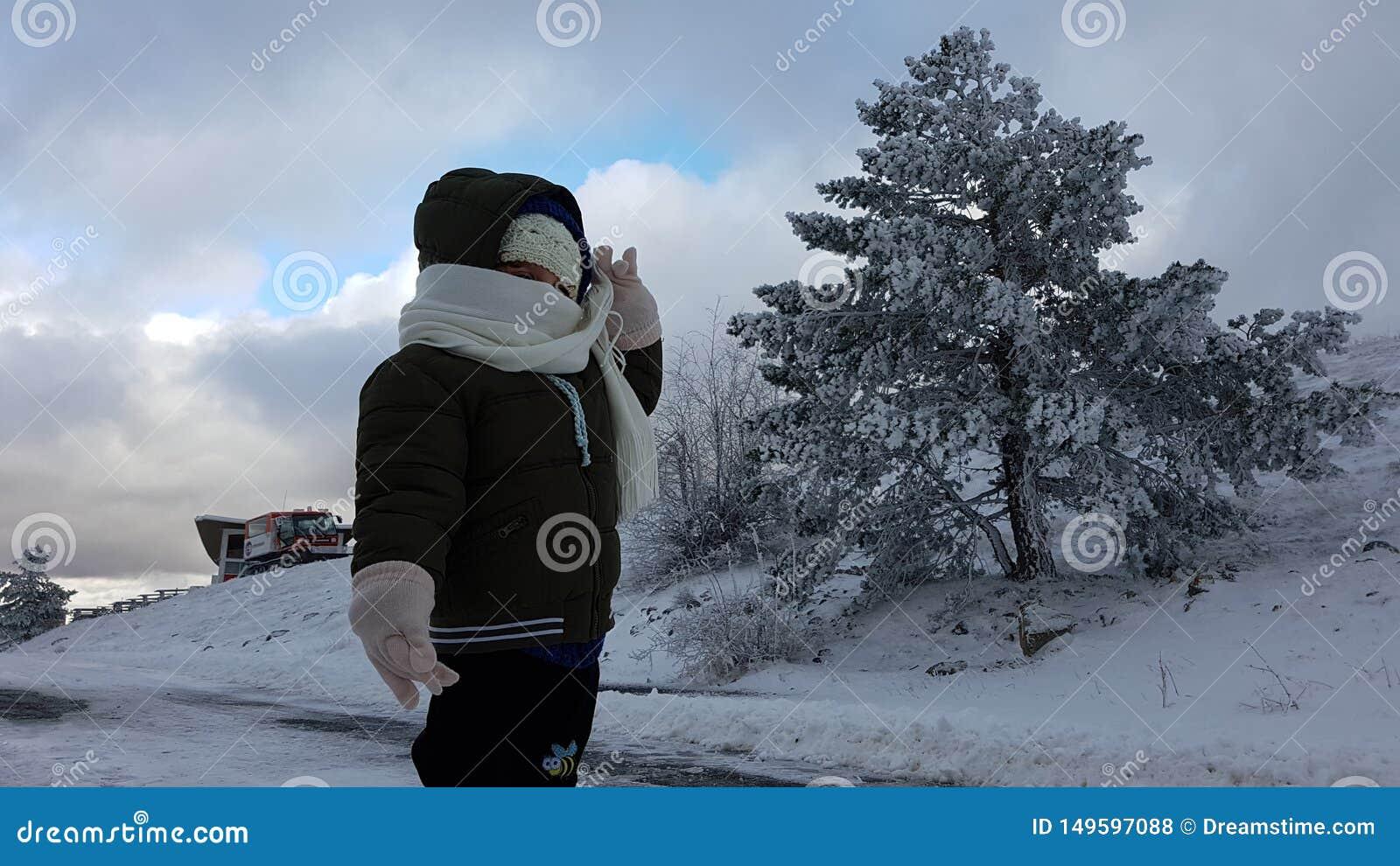 Παιδί στο χιόνι
