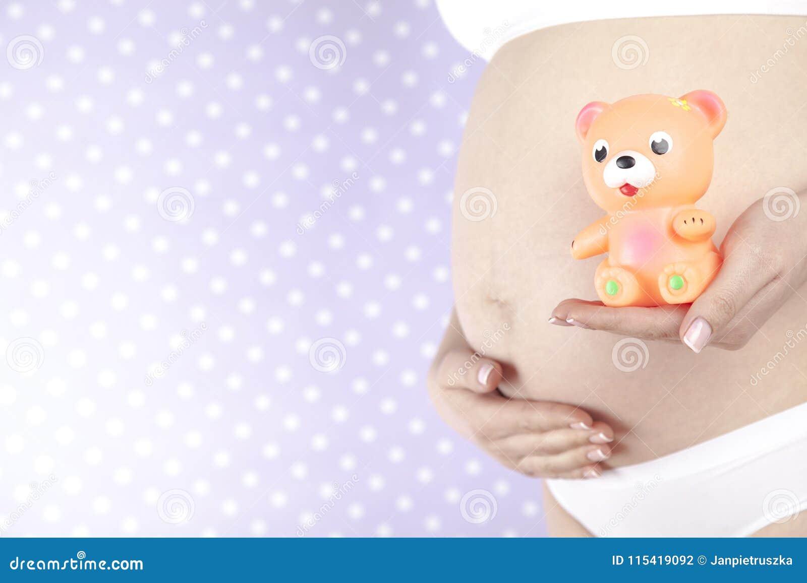 Παιχνίδι, ευτυχής έγκυος γυναίκα