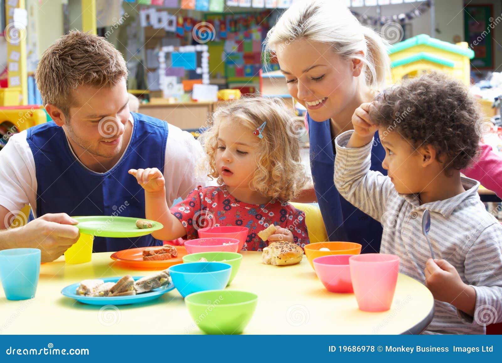 Παιχνίδι ζεύγους και παιδιών
