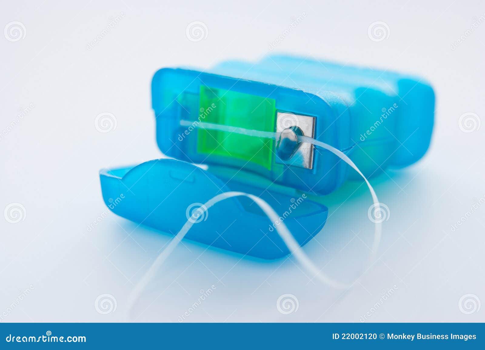 πακέτο οδοντικού νήματος