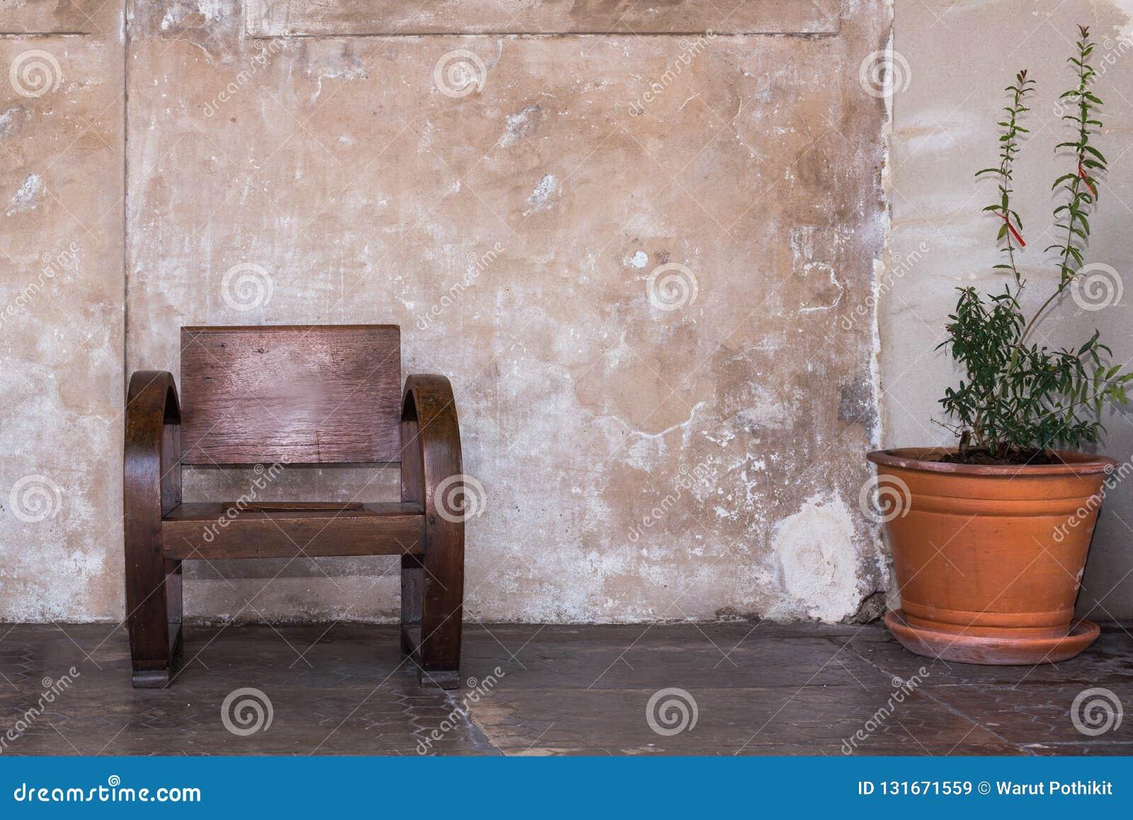 παλαιά έδρα ξύλινη