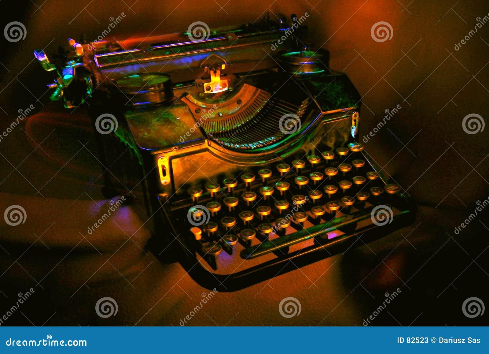 παλαιά μαύρη γραφομηχανή