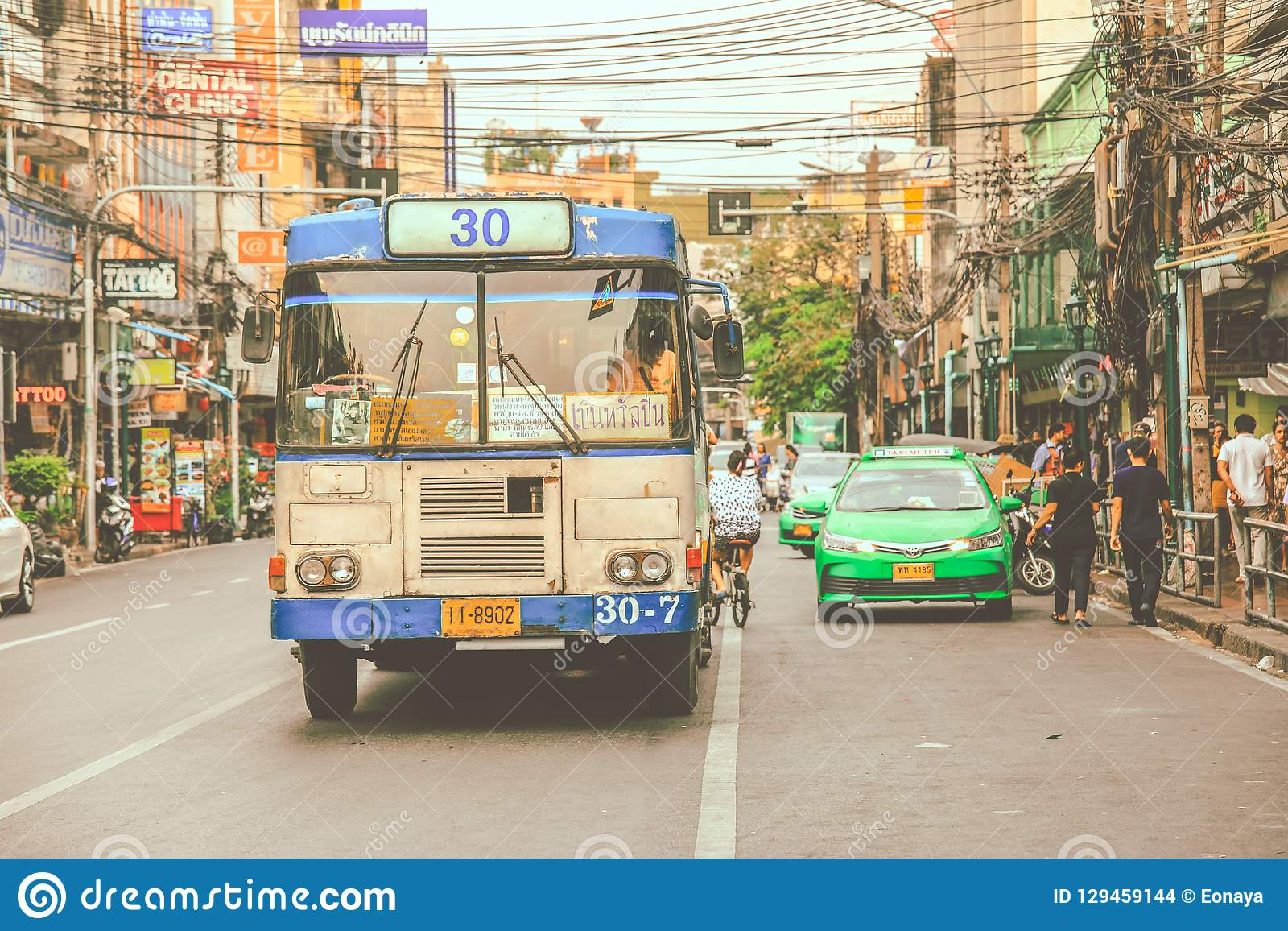 Παλαιές κινήσεις λεωφορείων μέσω του κέντρου της πόλης της Μπανγκόκ
