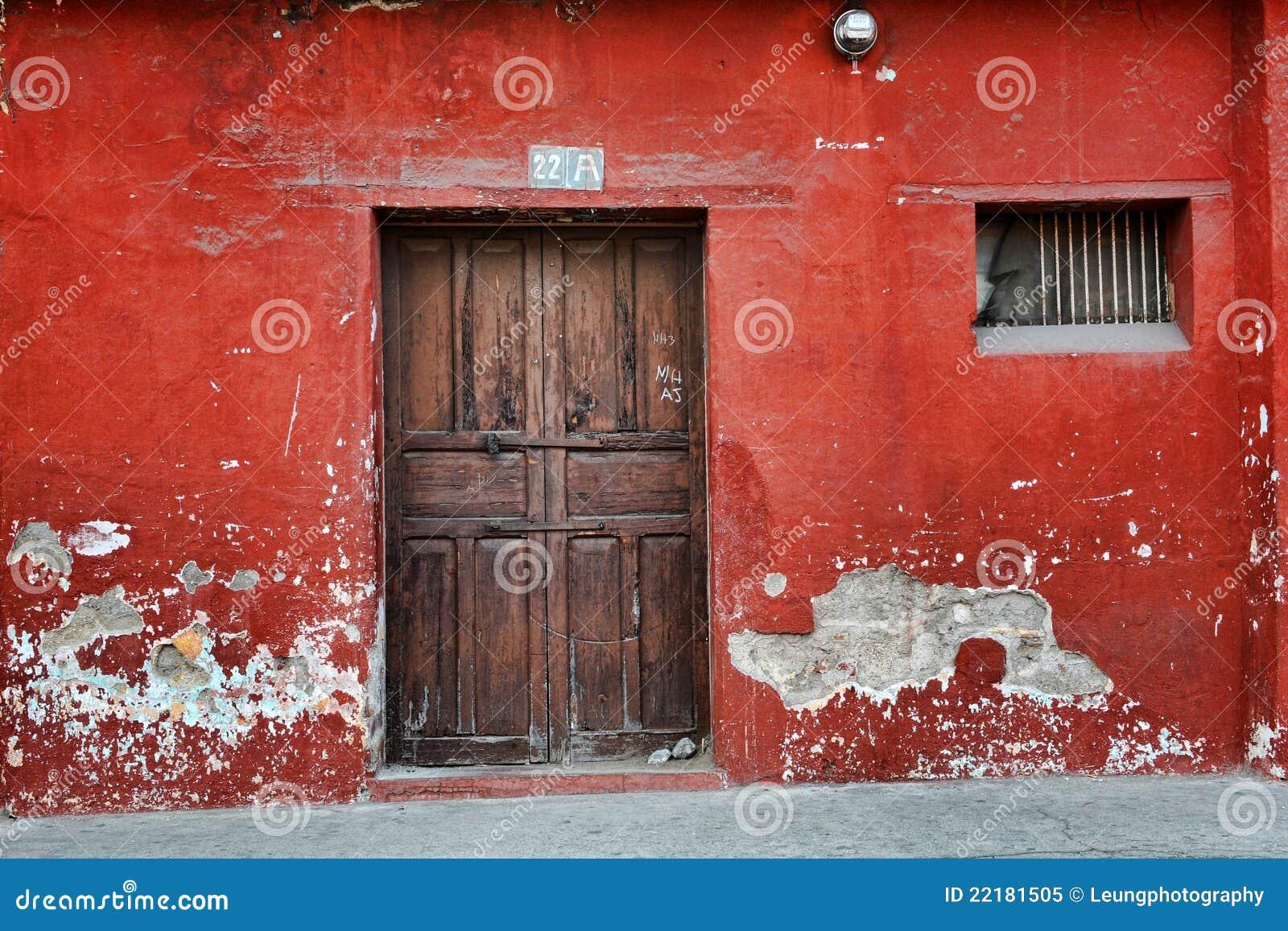παλαιός κόκκινος τοίχος