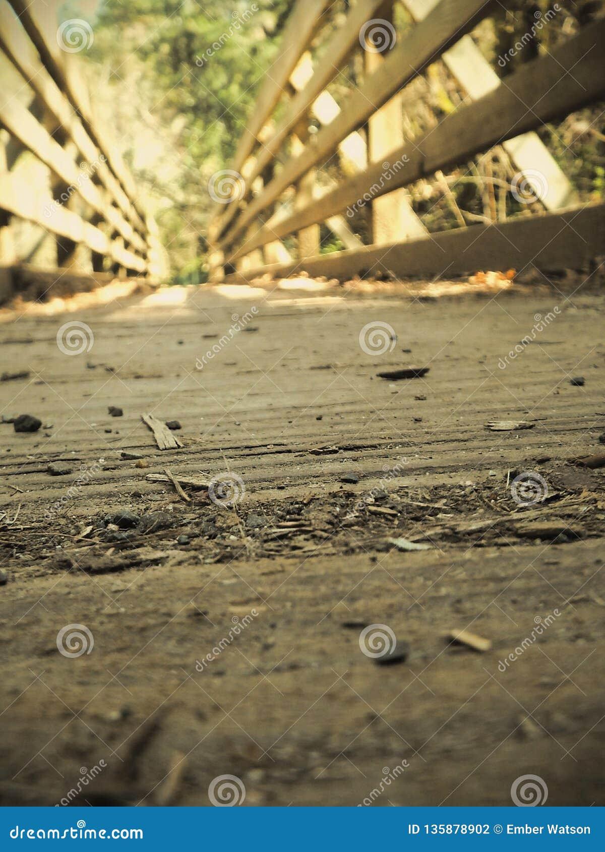 παλαιός ξύλινος γεφυρών