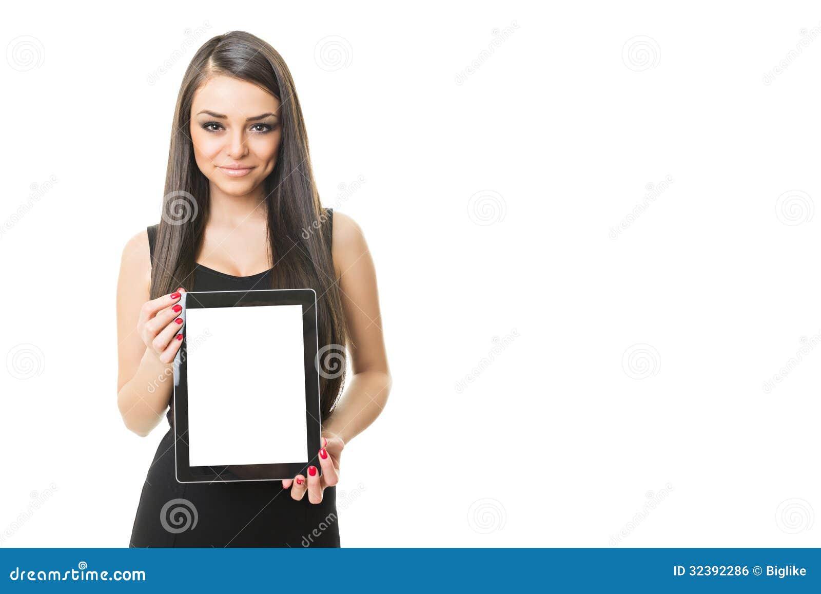 Πανέμορφη επιχειρηματίας που παρουσιάζει υπολογιστή ταμπλετών