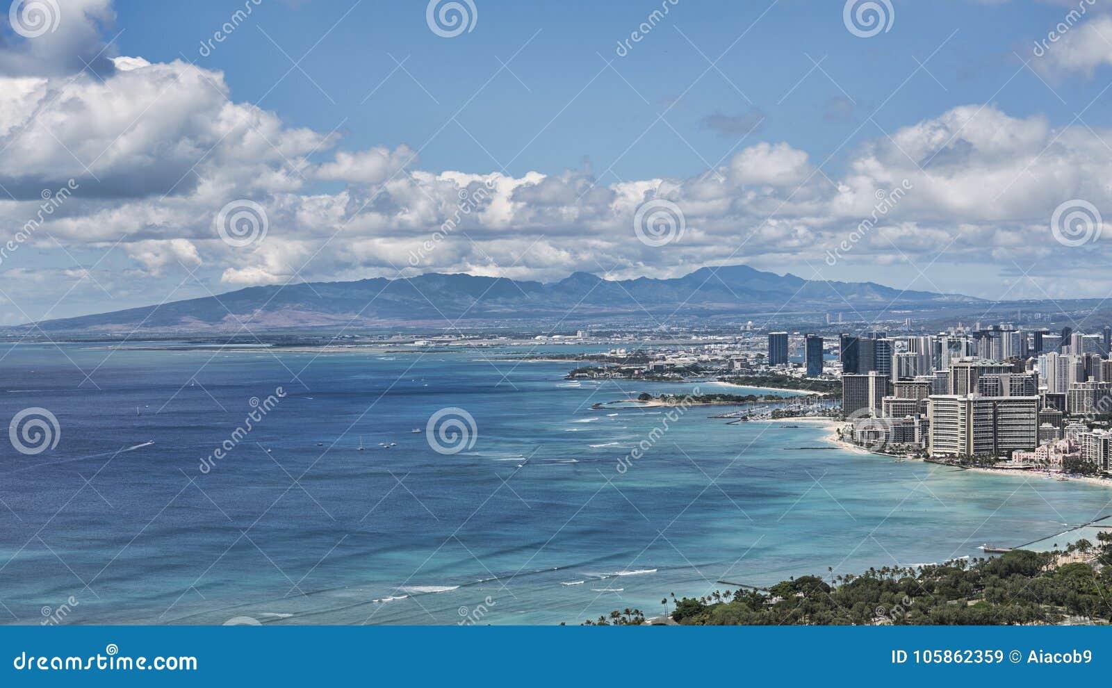 Πανοραμικά vistas από την επικεφαλής άποψη διαμαντιών δείχνουν προς την παραλία Waikiki, νησί της Χονολουλού, Oahu, Χαβάη, ΗΠΑ