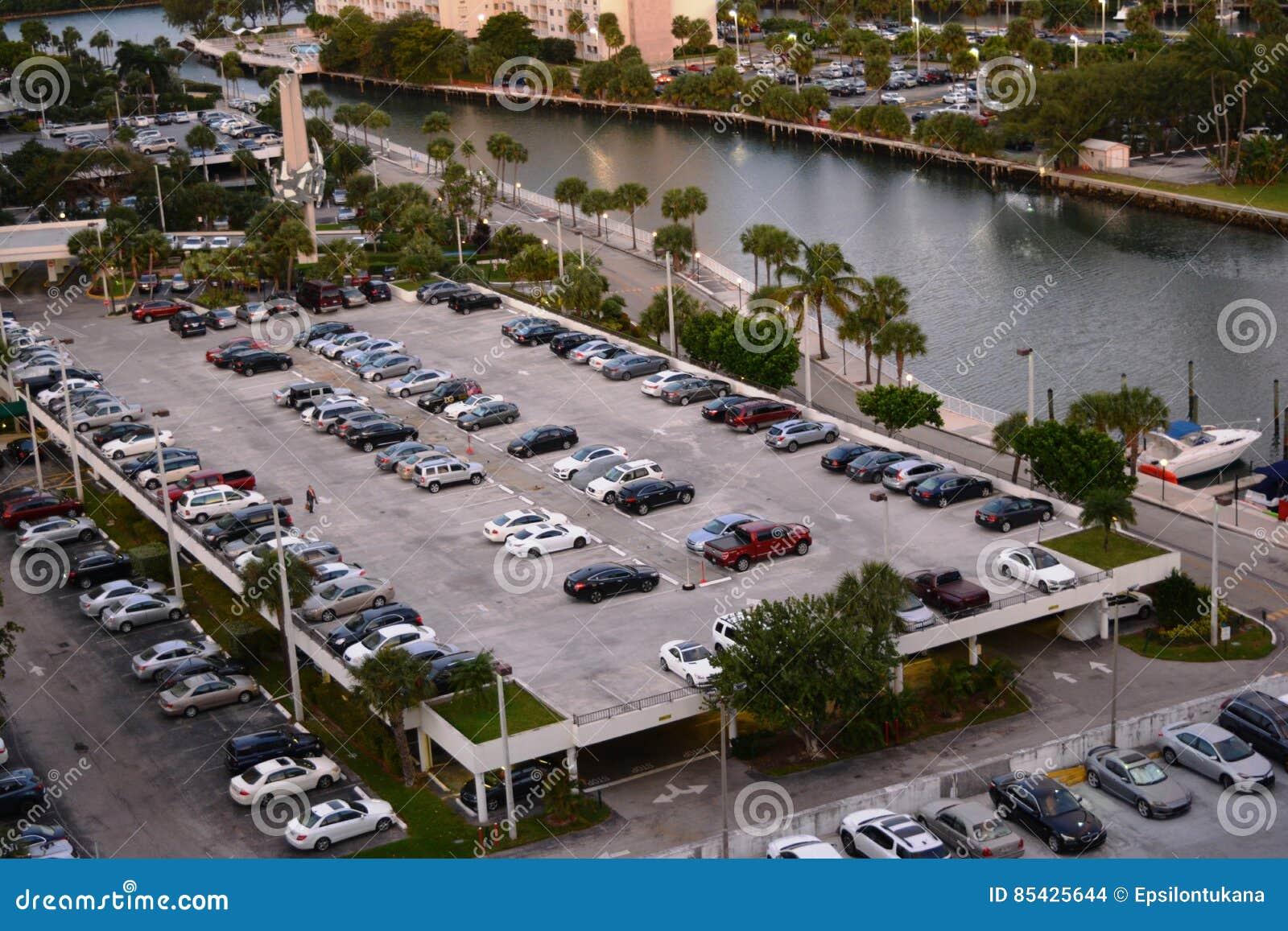 Πανοραμική άποψη του χώρου στάθμευσης