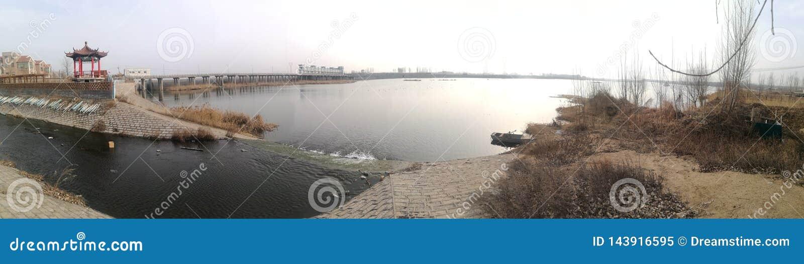 Πανοραμική φωτογραφία του hometown του ποταμού Dawen