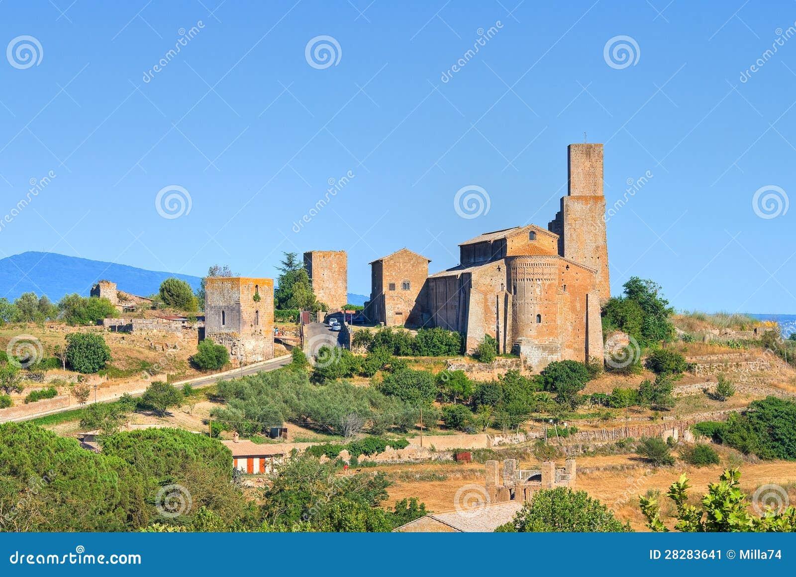 Πανοραμική όψη Tuscania. Λάτσιο. Ιταλία.