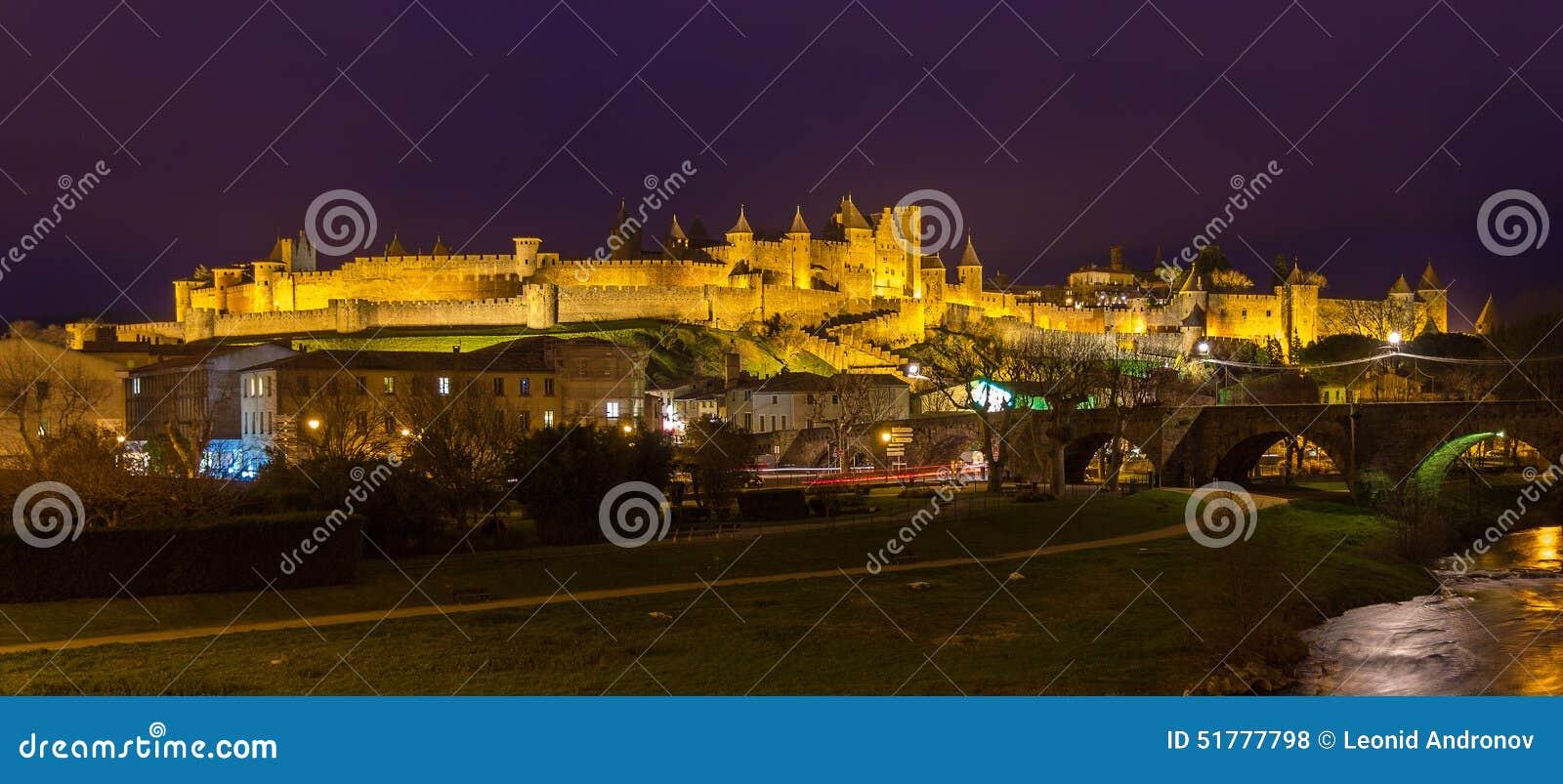 Πανόραμα νύχτας του φρουρίου του Carcassonne - Γαλλία