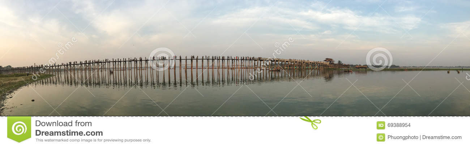 Πανόραμα της γέφυρας Ubein στο Mandalay, το Μιανμάρ