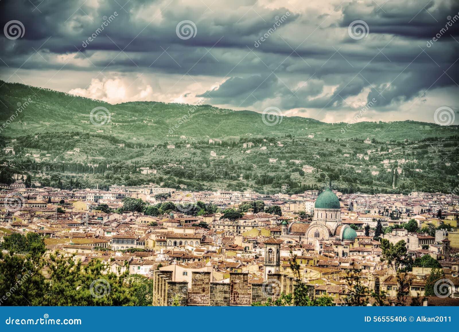 Download Πανόραμα της Φλωρεντίας στην εκλεκτής ποιότητας επίδραση τόνου Στοκ Εικόνες - εικόνα από πόλη, ιταλικά: 56555406