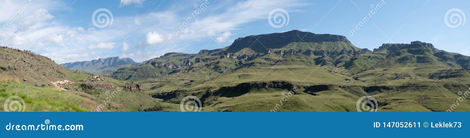Πανόραμα του περάσματος Sani, πέρασμα βουνών που συνδέει τη Νότια Αφρική με το Λεσόθο