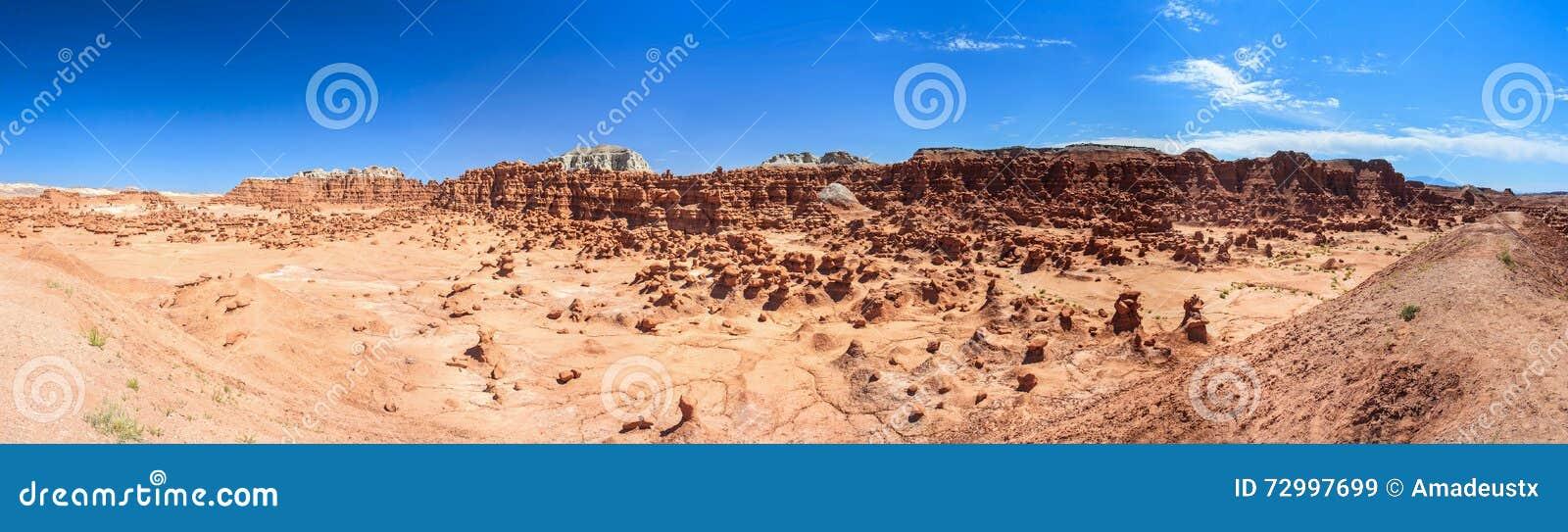 Πανόραμα των πυραμίδων βράχου Hoodoo στο κρατικό πάρκο Γιούτα ΗΠΑ κοιλάδων Goblin