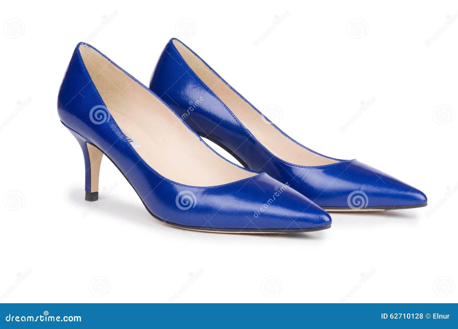 Παπούτσια γυναικών που απομονώνονται στο λευκό