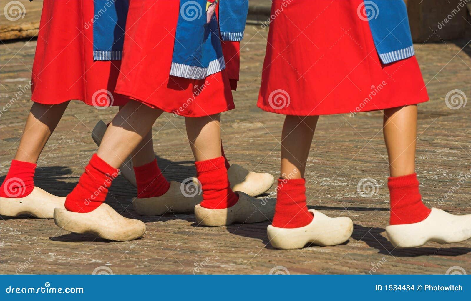 παπούτσια ξύλινα