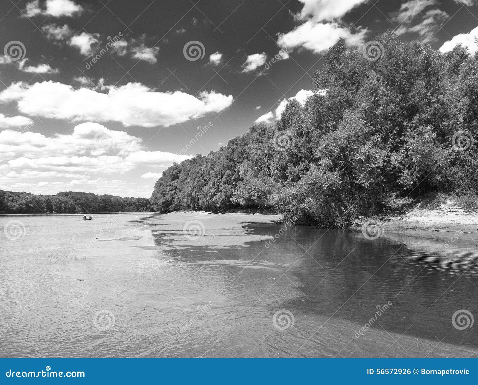 Download παράβλεψη στοκ εικόνες. εικόνα από άσπρος, ποταμός, σύννεφα - 56572926