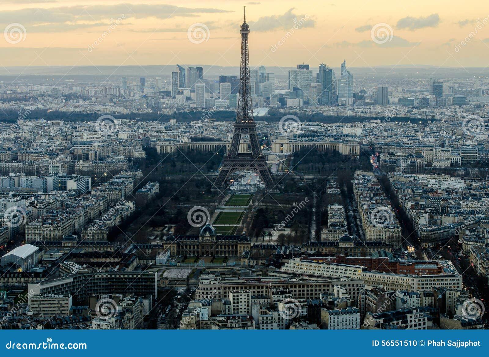 Download Παρίσι στην αυγή από την κορυφή Στοκ Εικόνες - εικόνα από πόλη, ήλιος: 56551510