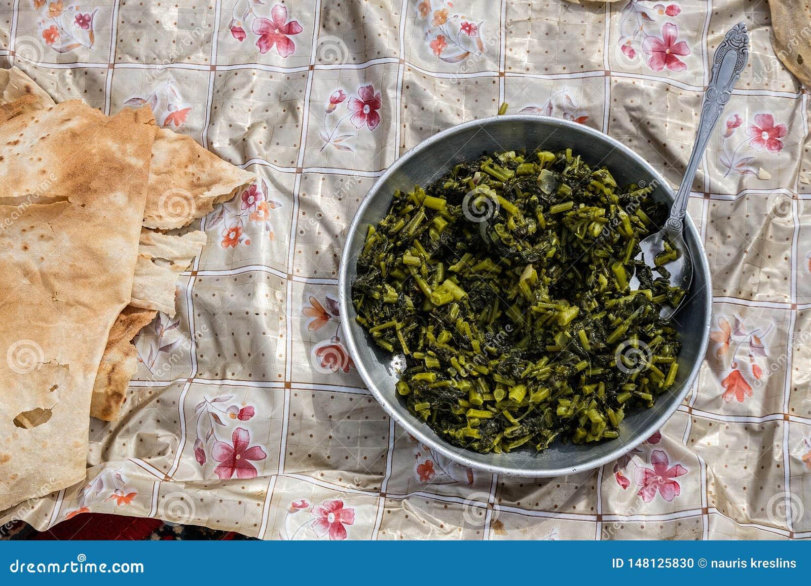 Παραδοσιακό πιάτο νομάδων στα βουνά Zagros