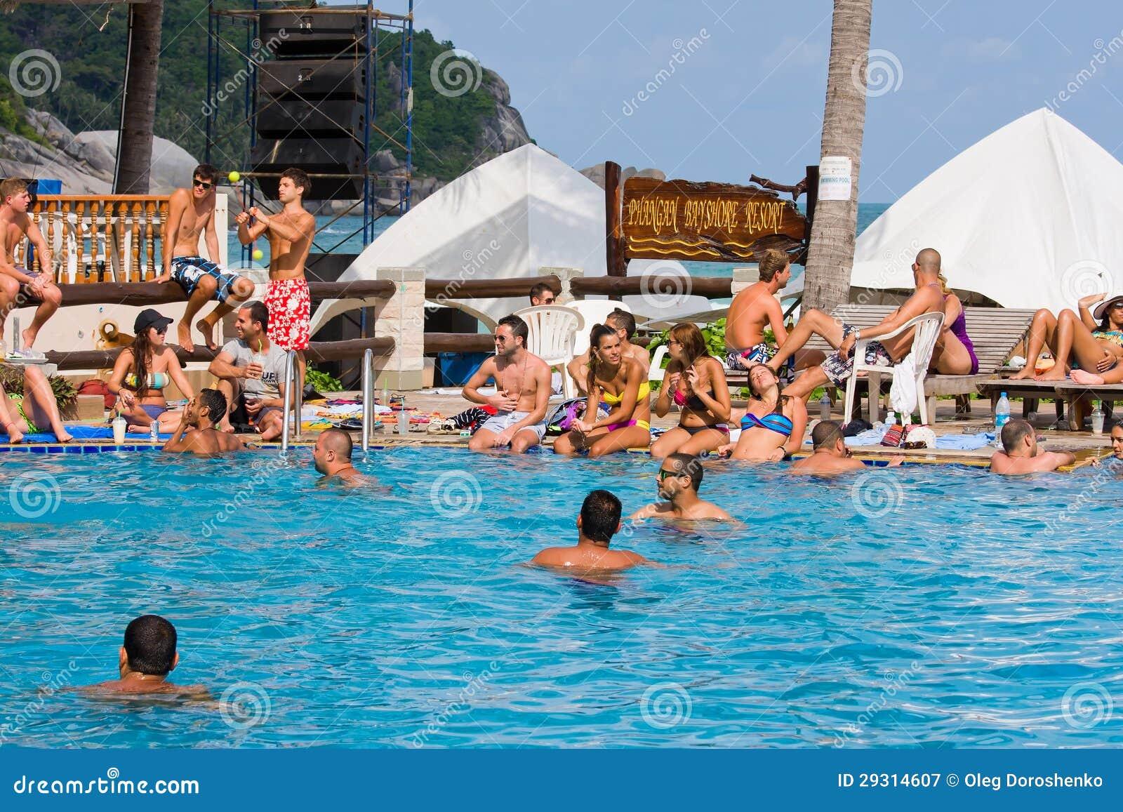 Παραλία ενώπιον του συμβαλλόμενου μέρους πανσελήνων Koh Phangan, Ταϊλάνδη νησιών