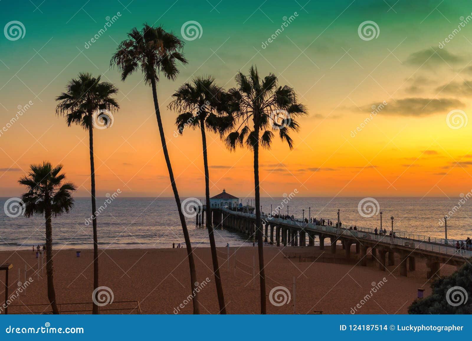 Παραλία Καλιφόρνιας στο ηλιοβασίλεμα, Λος Άντζελες,