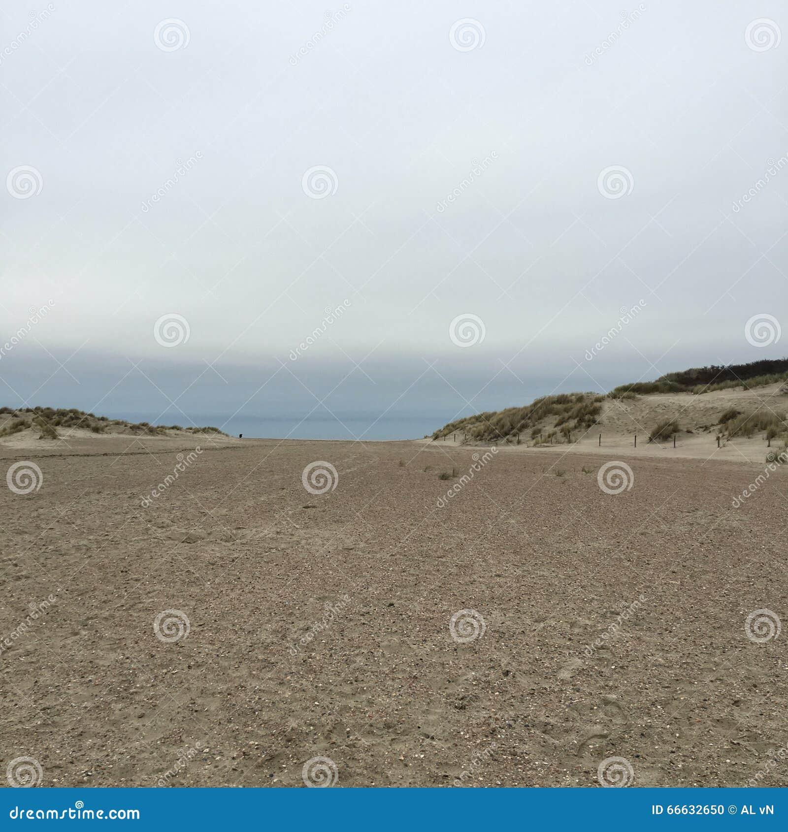 παραλία κενή