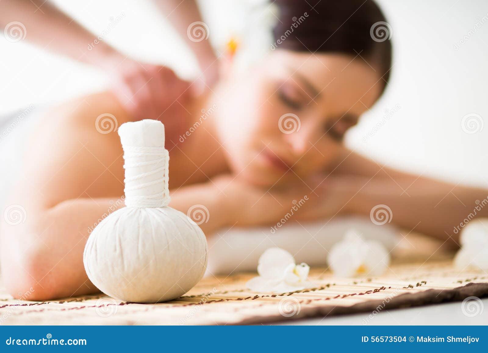 Download Παραδοσιακές ασιατικές θεραπεία αρώματος και θεραπεία ομορφιάς Στοκ Εικόνες - εικόνα από φύση, μασάζ: 56573504