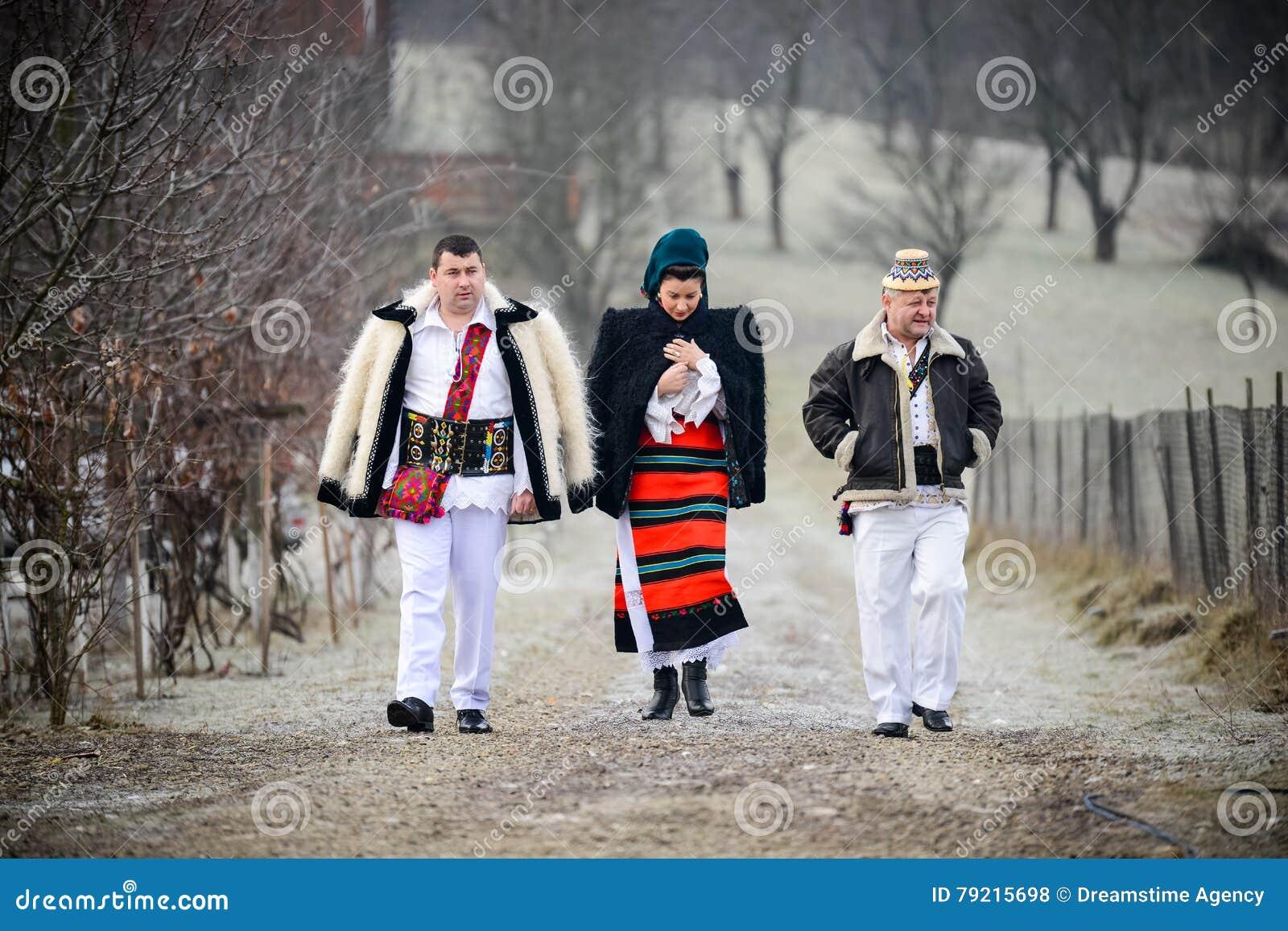 Παραδοσιακός ρουμανικός ιματισμός