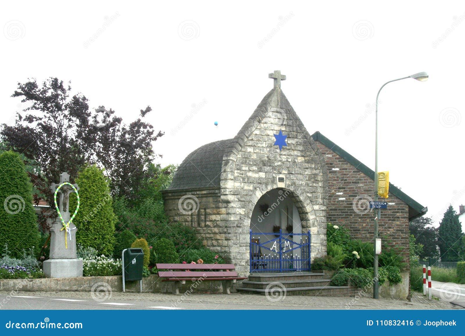 Παρεκκλησι στο χωριουδάκι Trintelen